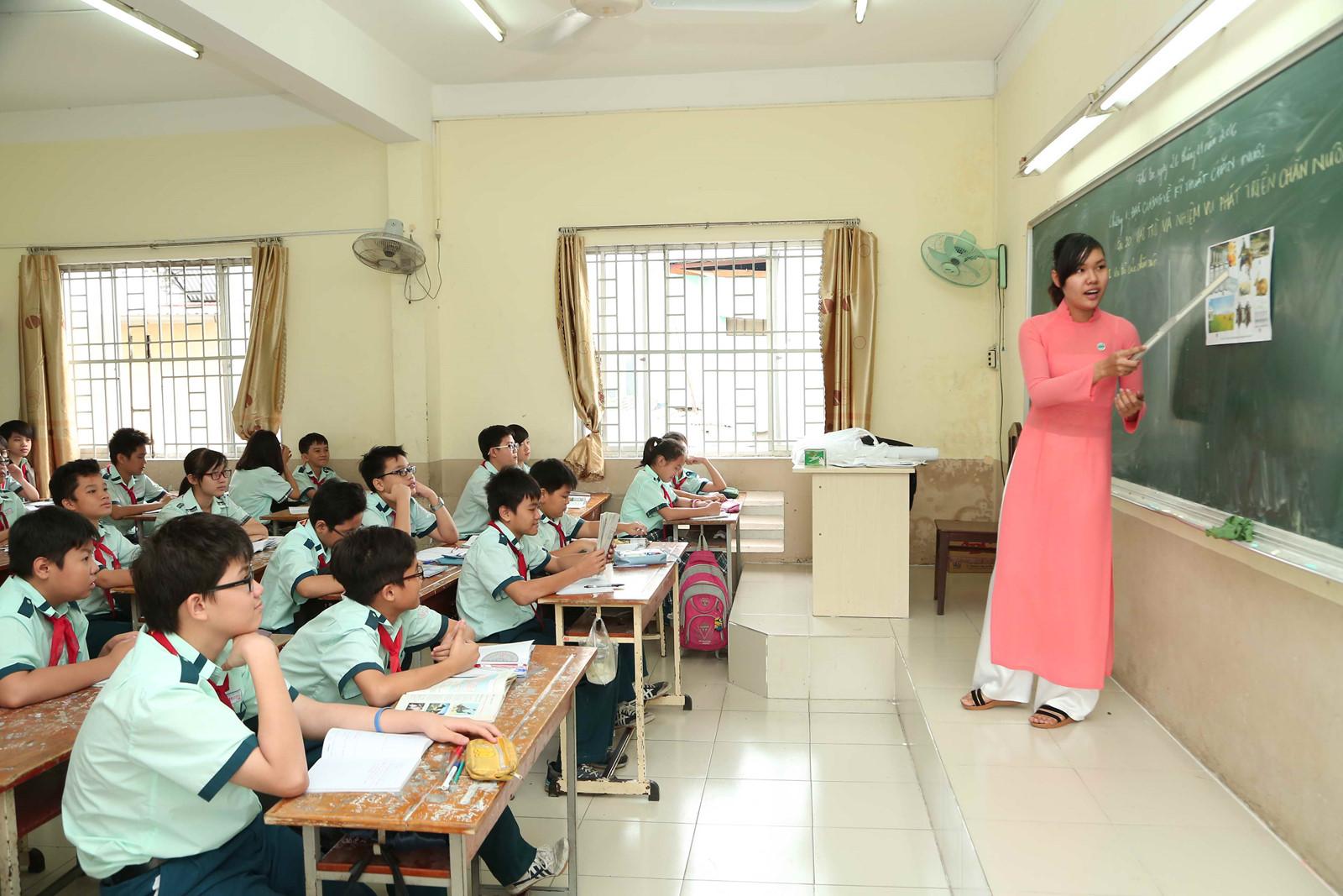 Sư phạm là ngành nghề cao quý trong xã hội.