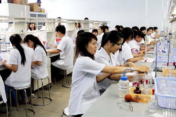 Học phí Cao đẳng y tế Hà Nội bao nhiêu?