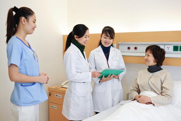 Kỹ năng giao tiếp ứng xử trong ngành y tế